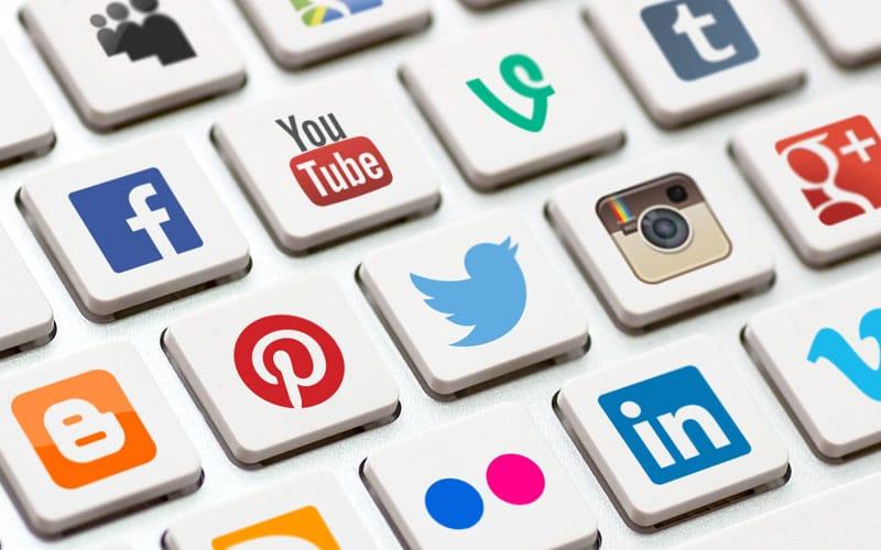 como ganhar dinheiro com mídias sociais